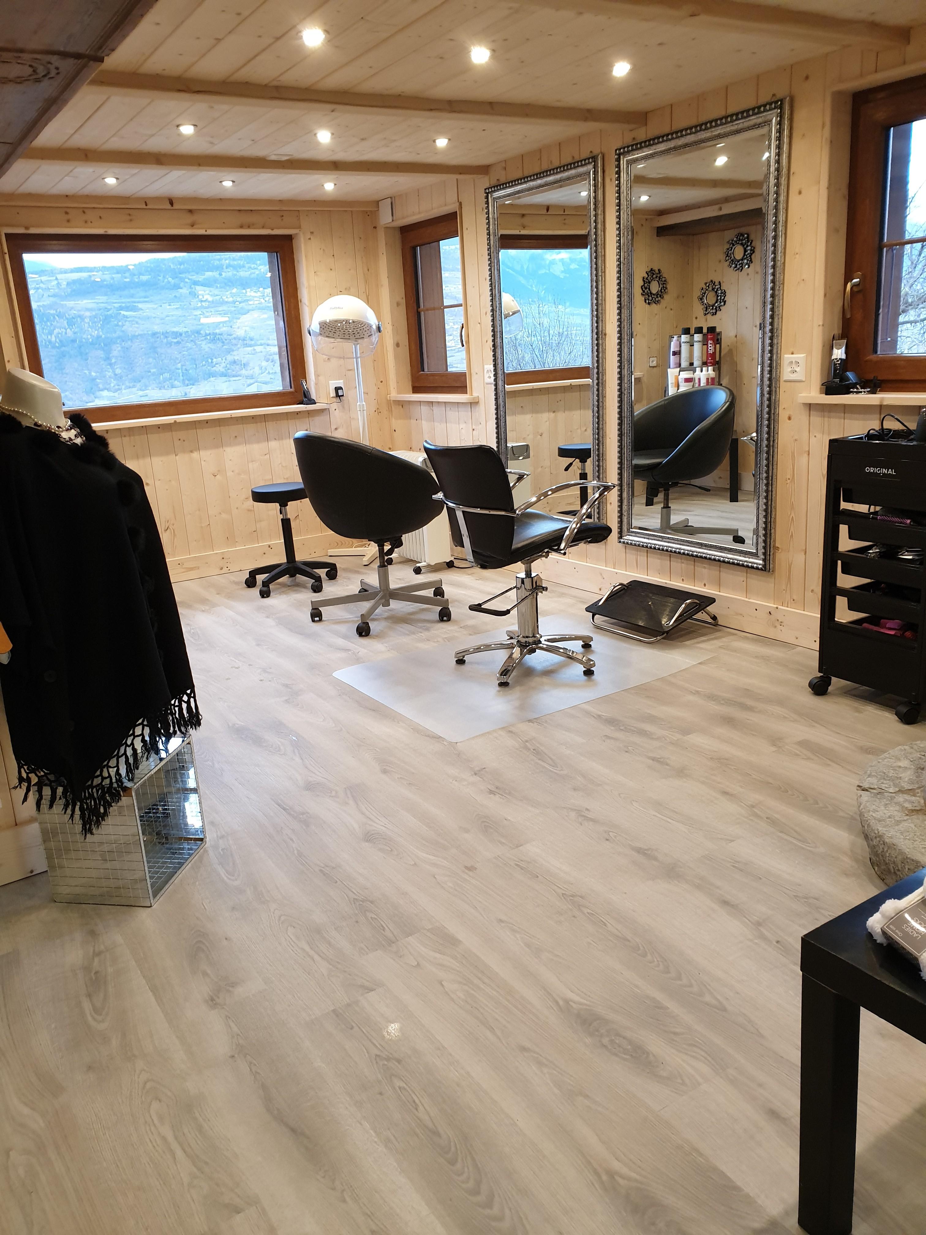 Nouveau Salon de coiffure LOYE